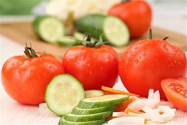 番茄和黄瓜.jpg