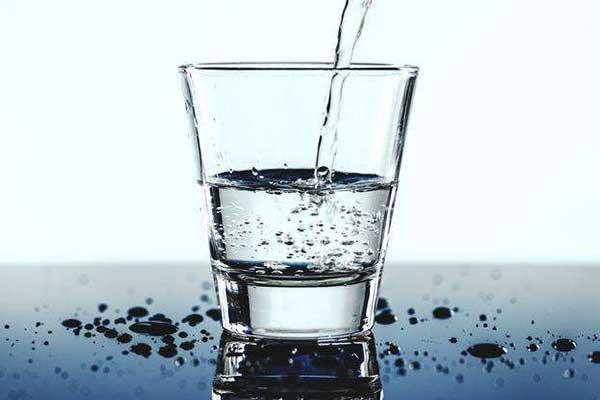 喝水.jpg